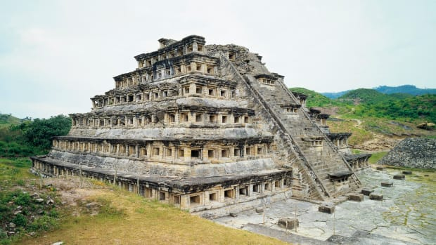 mexico-veracruz-state-el-tajin-archaeological-site-pyramid-of-niches-totonac-civilization