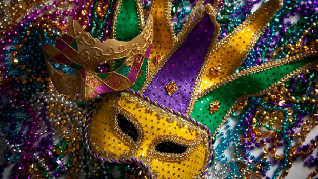 mardi-gras-mask-and-beads