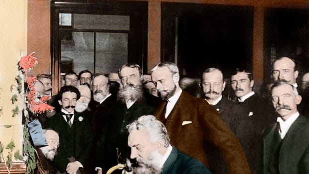 1892, New York, New York, USA — Alexander Graham Bell at the New York end of the first long-distance telephone call to Chicago in 1892. — Image by © Stefano Bianchetti/Corbis