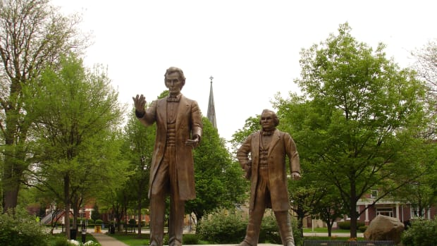 lincoln-douglas-debates-hero