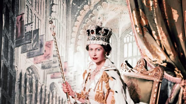 coronation-portrait-of-queen-elizabeth-ii