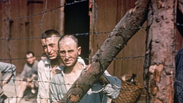 prisoners-at-buchenwald-concentration-camp