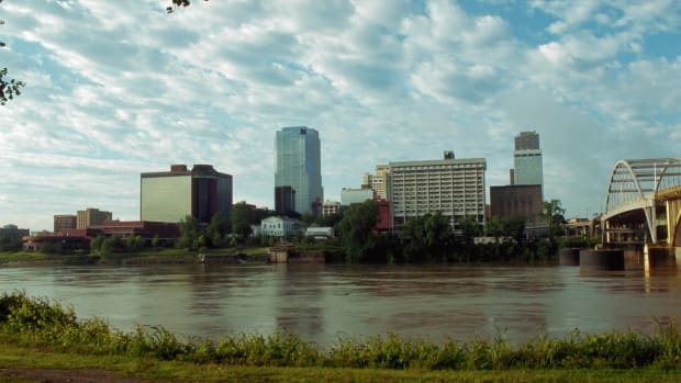 little-rock-and-the-arkansas-river