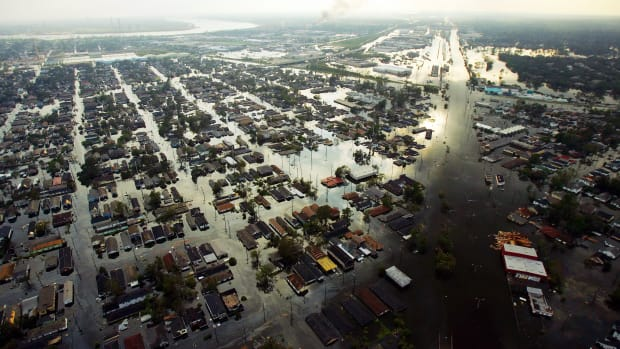 neighborhoods-in-new-orleans-are-completely-flooded-in-the-a