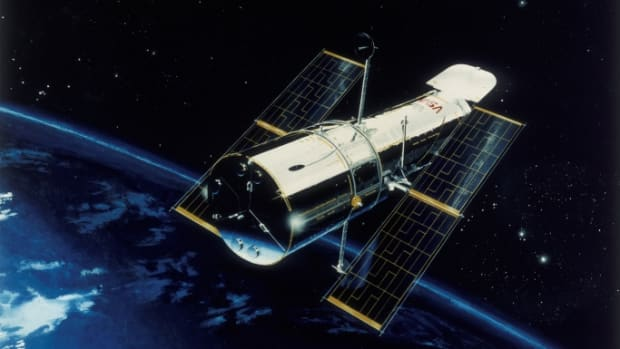 10 Fascinating Facts About the Hubble Space Telescope's Featured Photo