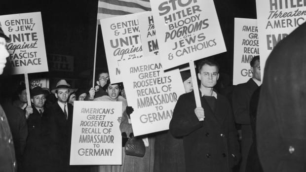 Kristallnacht-US Protest-GettyImages-81037166