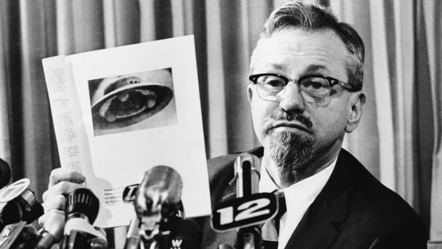 J Allen Hynek, George Adamski UFO photo