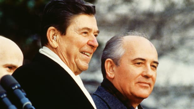 ronald-reagan-and-mikhail-gorbachev-3