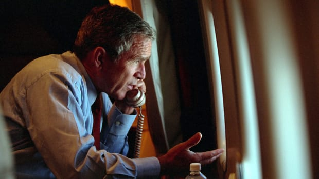 6 Ways Air Force One and the President Were in the Dark on 9/11