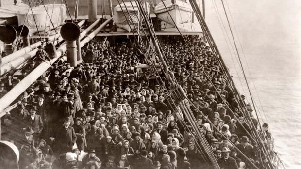 Immigration-Ellis Island-social-151182564