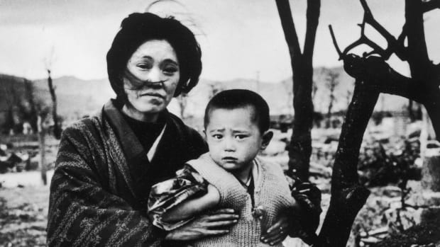 Hiroshima-Nagasaki-Before-After-GettyImages-53368867