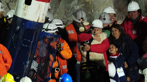 This Day In History: Chilean miners are rescued after 69 days underground