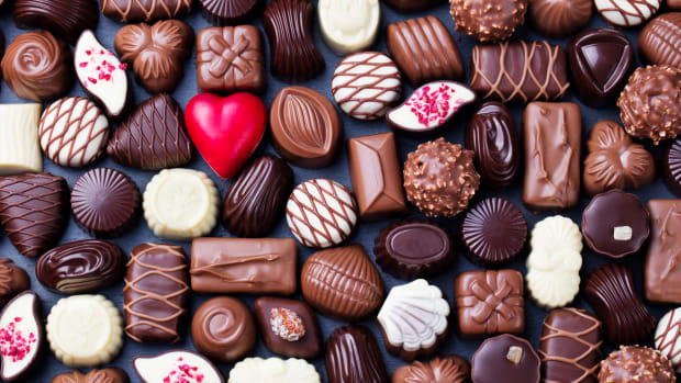Valentines-Day-Chocolate-GettyImages-923430892