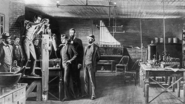 8 Inventions from the Second Industrial Revolution That Transformed Life