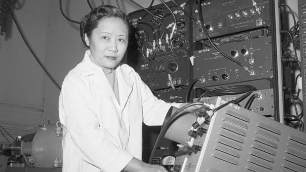 8 Groundbreaking Contributions of Asian Americans Through History