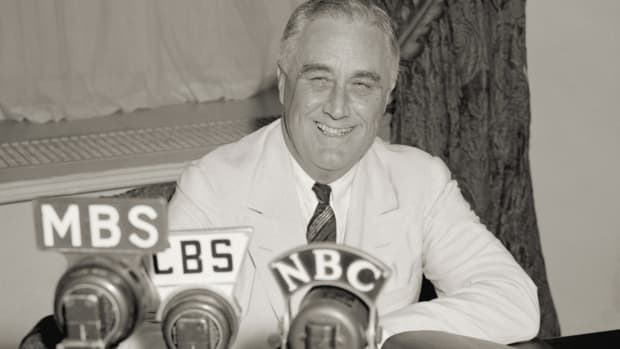 How FDR's 'Fireside Chats' Helped Calm a Nation in Crisis