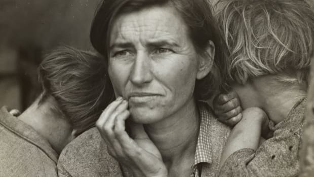 Migrant Mother, photographed by Dorothea Lange