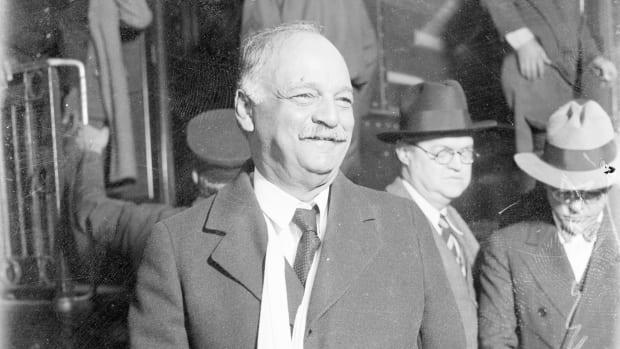 Republican politician Charles Curtis at a railroad station in Chicago, Illinois, circa 1928. Curtis was a member of the Kaw Nation born in the Kansas Territory and served as U. S. Vice-President under Herbert Hoover from 1929 to 1933. (Photo by Chicago Sun-Times/Chicago Daily News collection/Chicago History Museum/Getty Images)