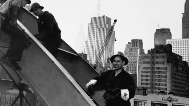How Mohawk 'Skywalkers' Helped Build New York City's Most Iconic Skyscrapers