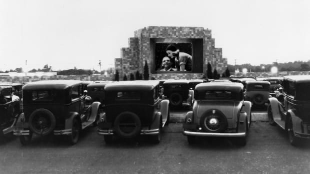 This Day In History: First drive-in movie theater opens, Camden, New Jersey, June 6, 1933