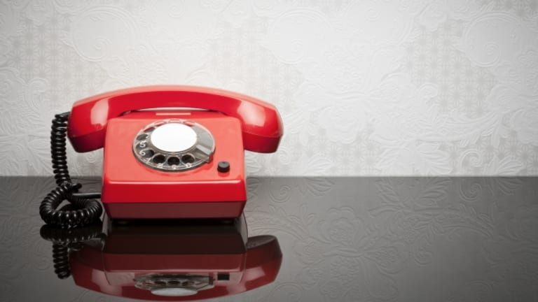 "Was there really a ""red telephone"" hotline during the Cold War?"