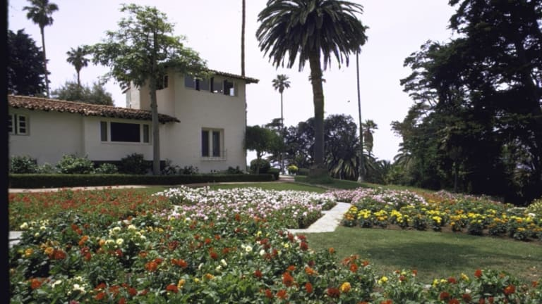 "Nixon's ""Western White House"" Listed for $75 Million"