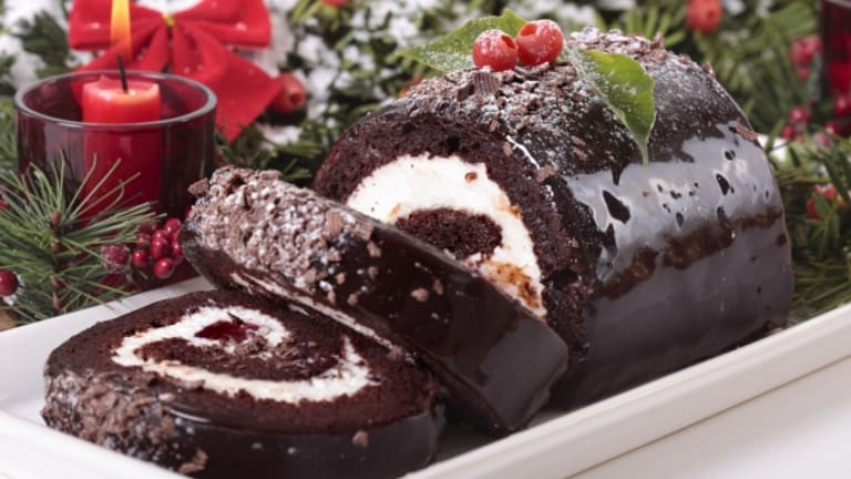 The Delicious History of the Yule Log