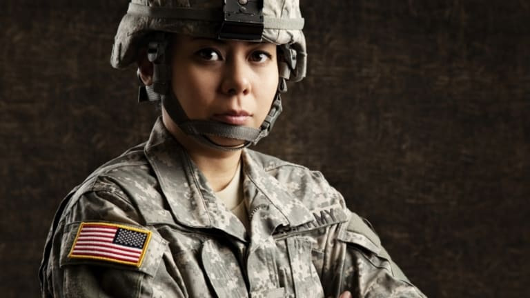 U.S. Military Lifts Ban on Women in Combat