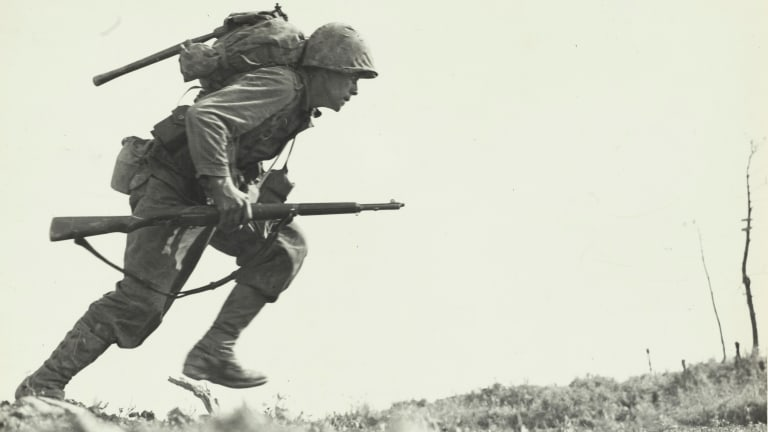 The Pictures that Defined World War II - HISTORY