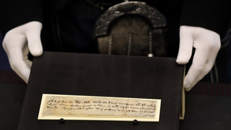 700-Year-Old William Wallace Letter Finally Reaches Scotland