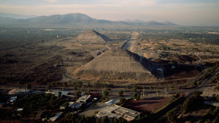 Offerings Discovered at Base of Teotihuacan's Pyramid of the Sun
