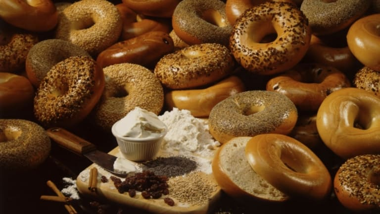 From New York to Montreal: What's in a Bagel?