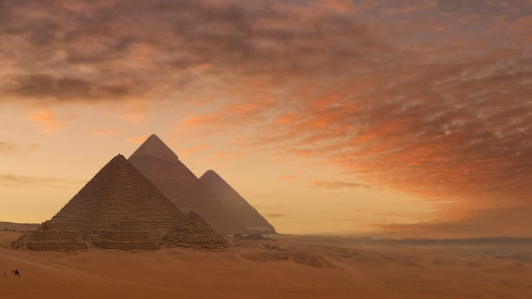 10 Awe-Inspiring Photos of the Ancient Pyramids of Egypt