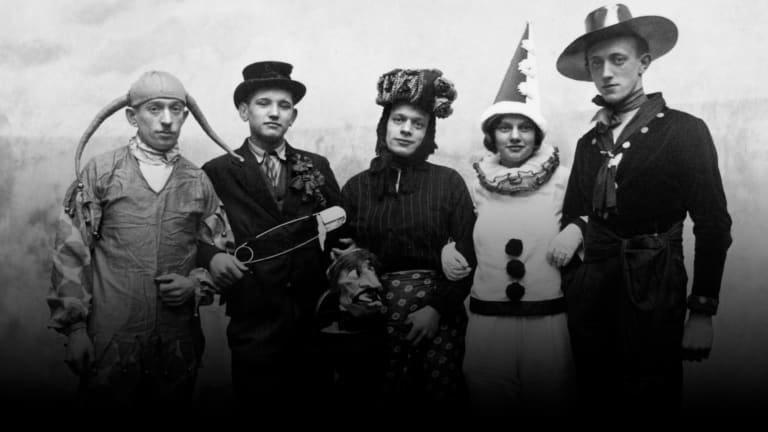 Halloween Costumes That Disguised, Spooked and Thrilled Through the Ages: Photos