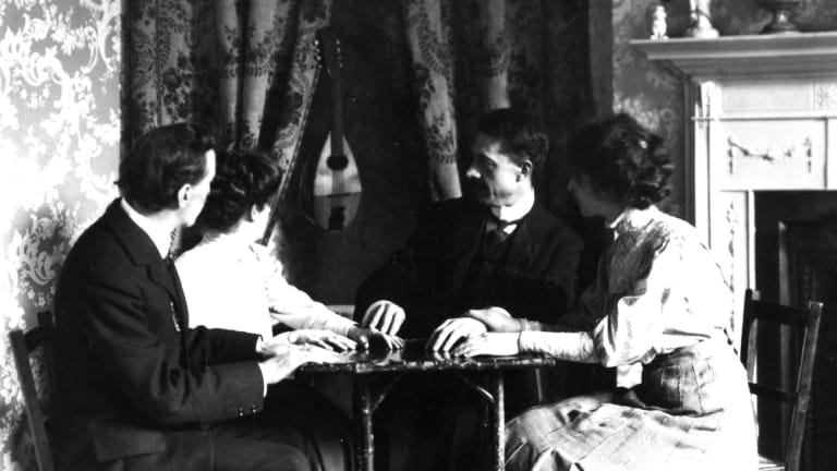 Talking to the Dead: How the 1918 Pandemic Spurred a Spiritualism Craze