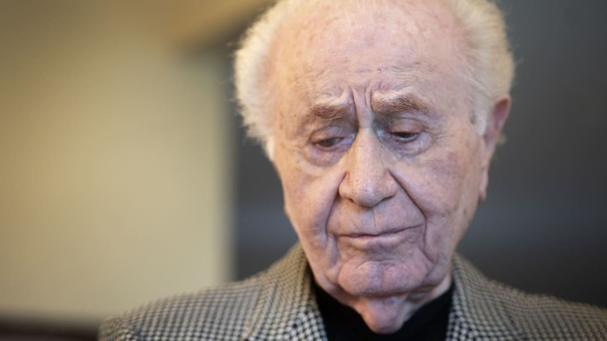 Auschwitz Survivors Recall Harrowing and Heroic Moments From the ...