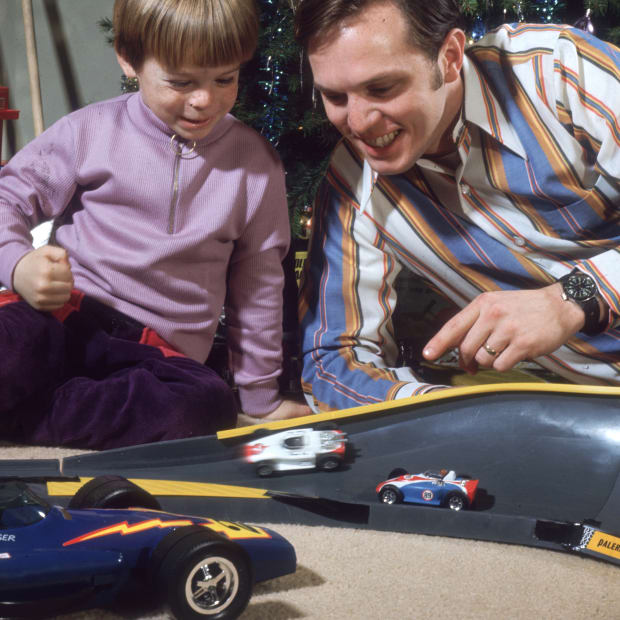 Toys-Feature-GettyImages-3208703