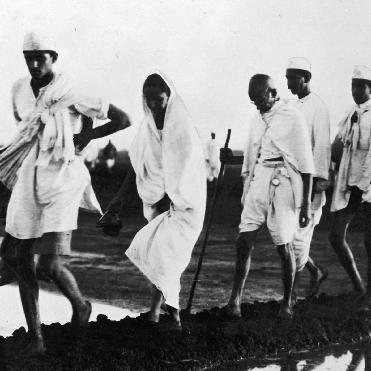 When Gandhi's Salt March Rattled British Colonial Rule - HISTORY