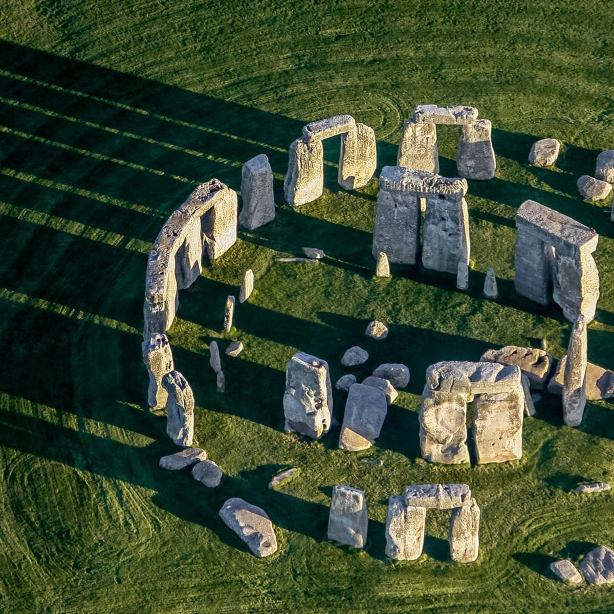 Stonehenge mystery: Archaeologists find ancient stones create 'enhanced acoustic space' Topic-stonehenge-gettyimages-682586546