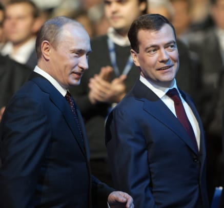 Russian President Dmitry Medvedev R An 2