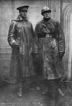 1-WWI Inventions-Trench Coat-Getty-3305414