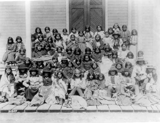 1_Native American_assimilation school_Carlisle Indian_3a51829u