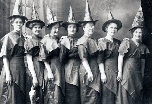 Halloween-Costume-History_GettyImages-85032733