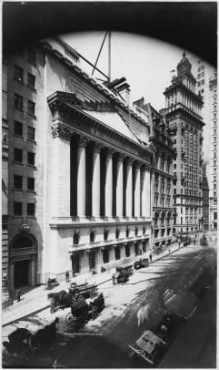 Wall_Street_New_York_Stock_Exchange_Getty-486605549
