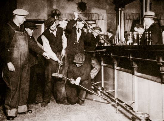 Prohibition-Hiding Alcohol-Getty-804476932