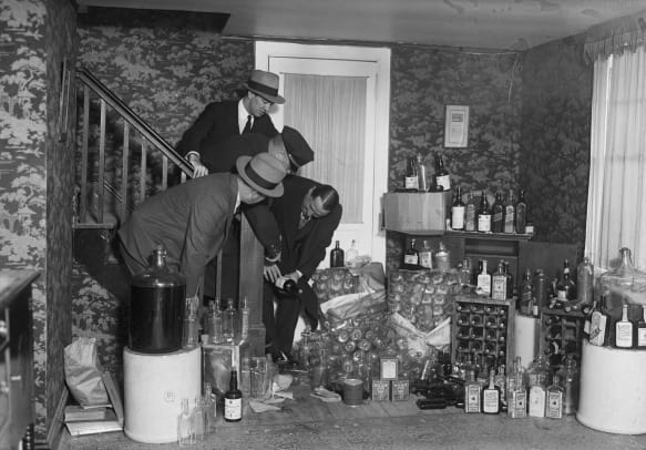 Prohibition-Hiding Alcohol-Getty-514689694