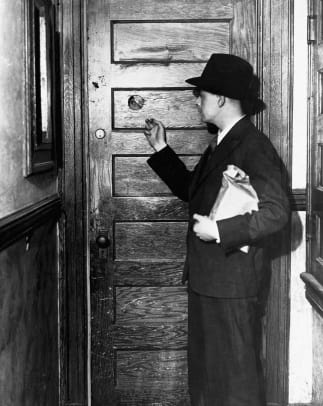 Prohibition-Hiding Alcohol-Getty-514884896