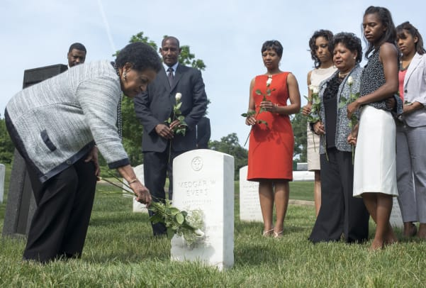 Medgar-Evers-Wife-Myrlie-GettyImages-170092765