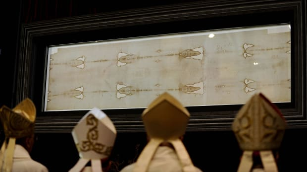 Shroud Of Turin Isn T Jesus Burial Cloth Claims Forensic Study History