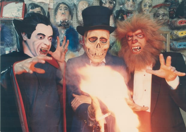 Halloween Party Traditions.Halloween Origins Meaning Traditions History